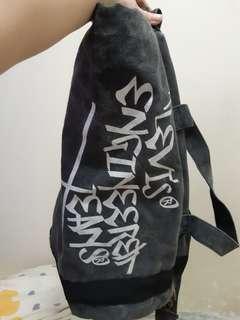 絕版levis灰色頹廢嘻哈個性圓筒水桶手挽兩用袋