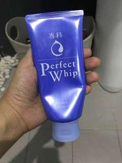 Perfect Whip (facial foam) by Senka