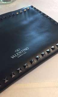 <男女可用>Valentino Rock Stud clutch