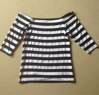 Off shoulder bnw stripes