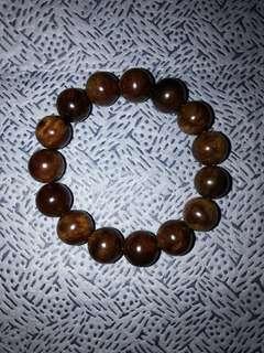 🚚 台湾肖楠紅格瘤手珠链沉水级 Taiwan Xiao Nan hand bead chain 16mm