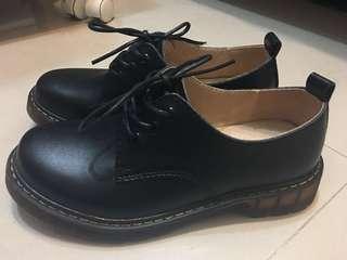 🚚 淘寶英倫復古馬丁鞋 36