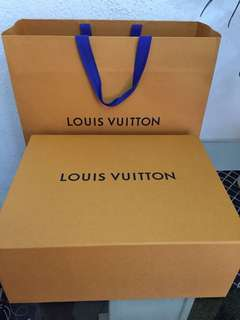 💯Louis Vuitton Paperbag and Box