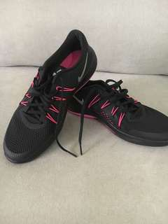 Nike Black Pink Womens