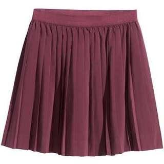 H&M Maroon Pleated Skirt