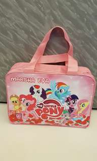 Personalized handcarry bag for children