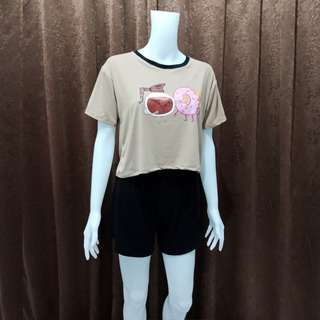 Terno brown top and black shorts