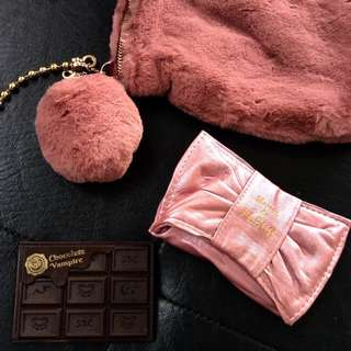 TAKE ALL! ✨ Lily Brown Fur Sling Bag, Maison De Fleur Key Holder and Chocolate Vampire Mirror from Japan! 💖💖💖