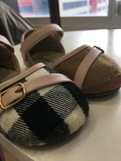 Burberry Sandals for Girl