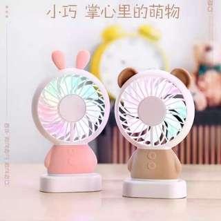 🚚 玲瓏免達摩熊Mini小風扇 USB
