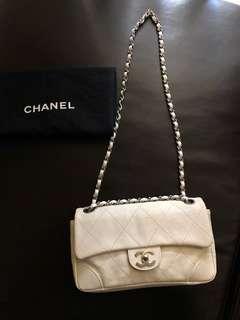 💯Authentic Chanel Vintage EW Flap Caviar Bag EUC