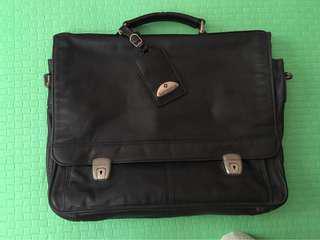 Samsonite leather Business case