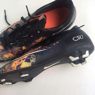 CR7 football cleats