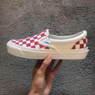 Vans US 6.5 OG Classic Slip-On (Checkerboard) White/Red