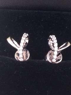 18K白金周生生天然鑽石18份立體耳環