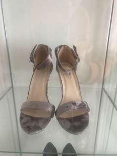 Forever 21 velvet Heels