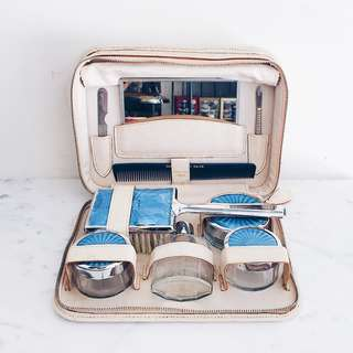 Vintage 1940s Ladies Grooming Leather Kit