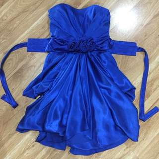 Royal blue dress perfect for prom