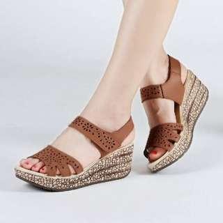Sandal wedges 049