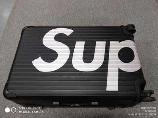 🚚 Rimowa x Supreme Luggage