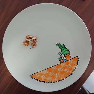 🚚 Handmade decorated plate