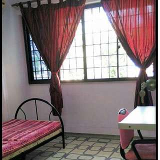 Clean, common room for rental in 4-rm flat. Great for Single!!!