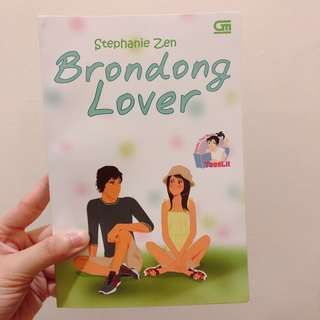 "Novel ""Brondong Lover"""