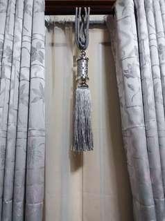 Black oit curtain