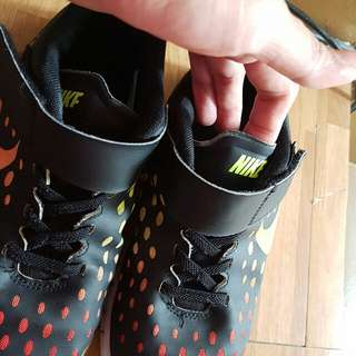 Authentic Preloved Nike shoes for boys