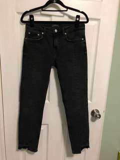 Black Zara ankle jean pants
