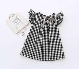 🚚 嚴選 小孩 兒童 女童 喇叭袖 無袖 格子 黑白 連身裙 春夏款 荷葉邊 現貨 快速出貨 嬰幼兒用品