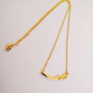 Curve band necklace