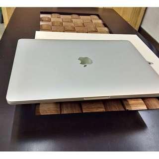 MacBook Pro 13.3-inches 2017 Model 🆕