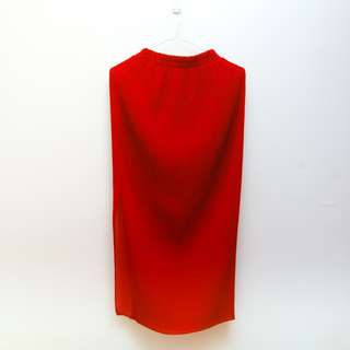 SUSTO MANILA Red Pleated Pencil Skirt with Slit