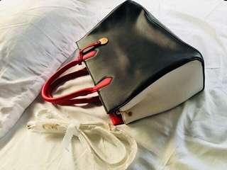 Caprisa Bag by Monica and Penelope Cruz