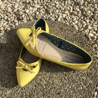 Red Herring Flats in Yellow
