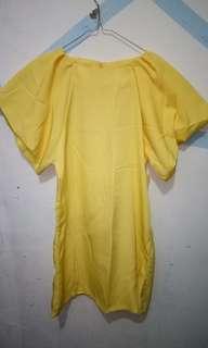 yelow dress