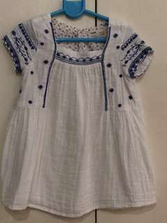 4T embroidered blouse