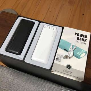 New arrival!! Powerbank with flashlight!