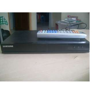 (Sold ) DVD player  Samsung E350