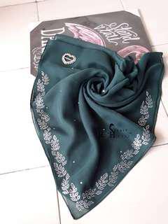 RayHanna scarf