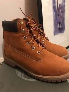 Women's Timberland boots Size 8 Youth 6