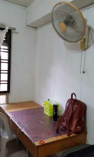 Room for rent enquiries  hp91122691 290 3in a room
