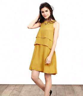 BNWT BANANA REPUBLIC Size 6 Crepe Layered Dress
