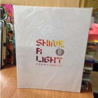 *絕版珍藏*G-DRAGON 權志龍 2009首場個唱場刊 SHINE A LIGHT FIRST CONCERT BIGBANG