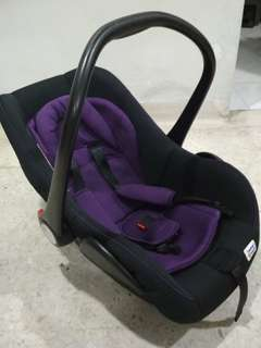 Baby Car Seat (new born to 13kg)