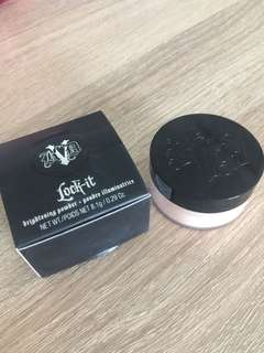 🚚 Kat Von D Lock It Brightening Powder