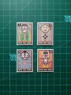 1977 巴布亞新畿內亞 傳統藝術 新票一套