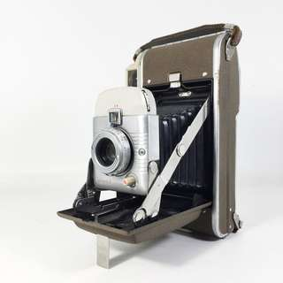 1950s Polaroid 80B Highlander Folding Camera (PHC_01-1016-22)