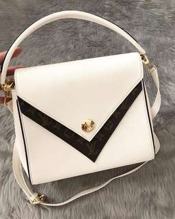 LV preloved -many designs